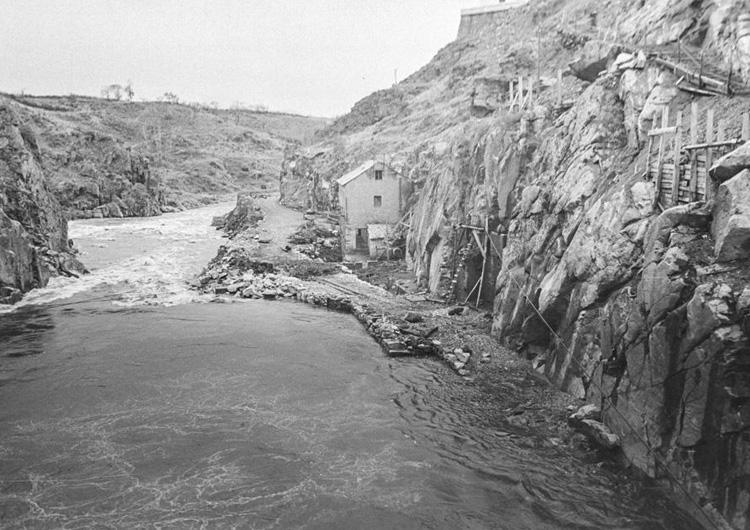 La presa de Fuente del Azufre